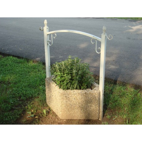TYPE 7202 PLANTER WITH FENCE