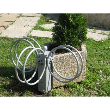 TYPE 4100 BICYCLE STAND ON THE PLANTER
